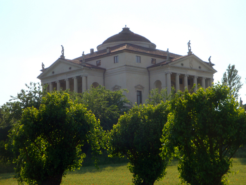 The Villa Rotunda (by Palladio, c. 1566-70) in Vincenza, Photo by Matthew Brennan.