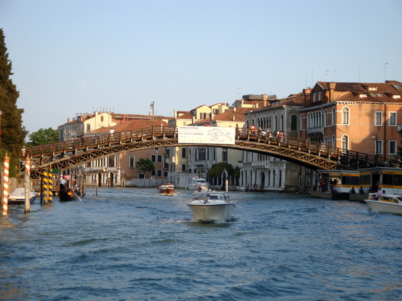 The Accademia Bridge, built by Eugenio Miozzi from 1932-1933.  Photo by Matthew Brennan.