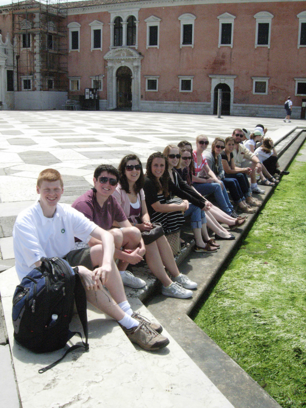 Students resting at the piazza in front of San Giorgio Maggiore and Andrea Palladios Church of Il Redentore (begun 1577). Photos by Dr. Beall-Fofana